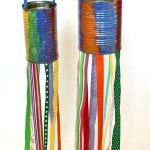 Reutilização de latas usadas na decoração.