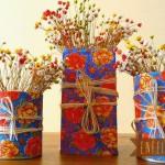 Decore com flores secas e capriche no vaso.