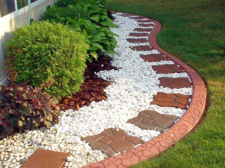 simple-rock-garden-ideas-with-brick-tiles